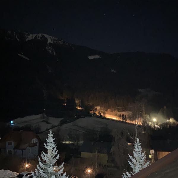 Flattach bei Nacht